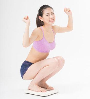 重い筋肉量が減ればそりゃぁ体重は軽くなります